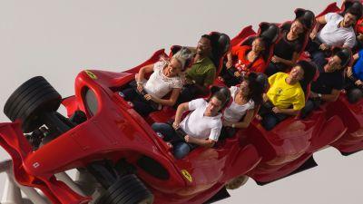 Speed, Speed, Speed: Formula Rossa in Abu Dhabis Ferrrari World ist mit 240 Stundenkilometern die schnellste Achterbahn der Welt.