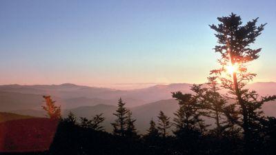 Mit fast elf Millionen Besuchern 2015 ist der Great Smoky Mountains National Park an der Genze der Bundesstaaten Tennessee und North Carolina der beliebteste Nationalpark der USA.