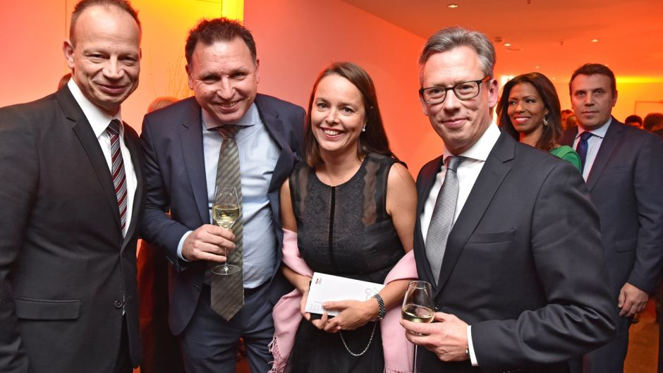 Cornelius Meyer (Best Reisen), Jörg Tuensmeyer und Katja Selle (beide British Airways) und Thorsten Lettnin  (United Airlines) (v.l.).