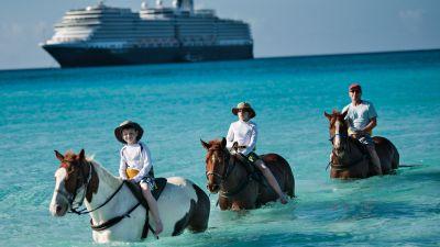 Die Holland America bietet Ausflüge auf die Privatinsel Half Moon Cay auf den Bahamas an. Hier werden zum Beispiel Ausritte auf Pferden geboten. Die Half Moon Cay gehört zur Insel Little San Salvador. Die Insel ist ansonsten unbewohnt und Vogelschutzgebiet.