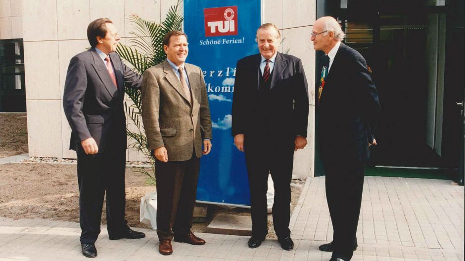 TUI always maintained close relationships with politicians. Pictured are Ralf Corsten (left), the chairman from 1992 onwards, and supervisory board chairman Hans Georg Willers in the 1990s with minister-president Gerhard Schröder and Hanover's city mayor Herbert Schmalstieg.