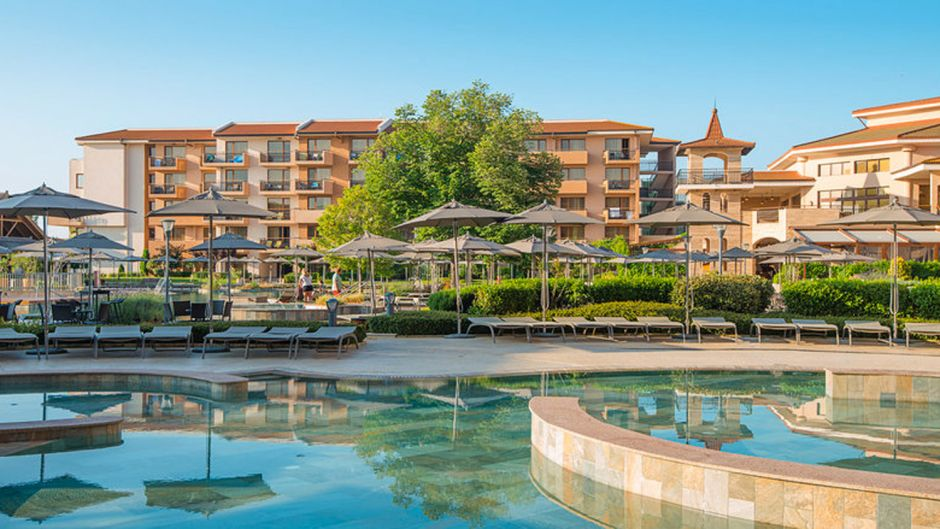 The HVD Clubhotel Miramar is the most popular hotel of Holidaycheck users in Bulgaria. It lies on the edge of Obzor and offers a wellness and sports area, restaurants and bars, as well as a children's programme.
