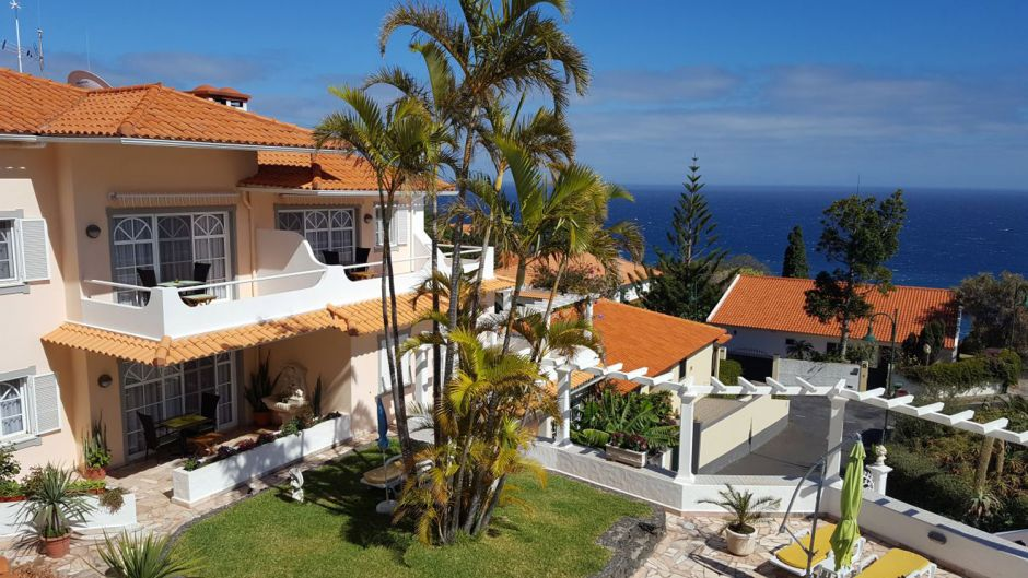 The most popular hotel of Holidaycheck users in Portugal is the Villa Opuntia on Madeira. The hotel with 11 apartments is targeted at guests aged over 18.