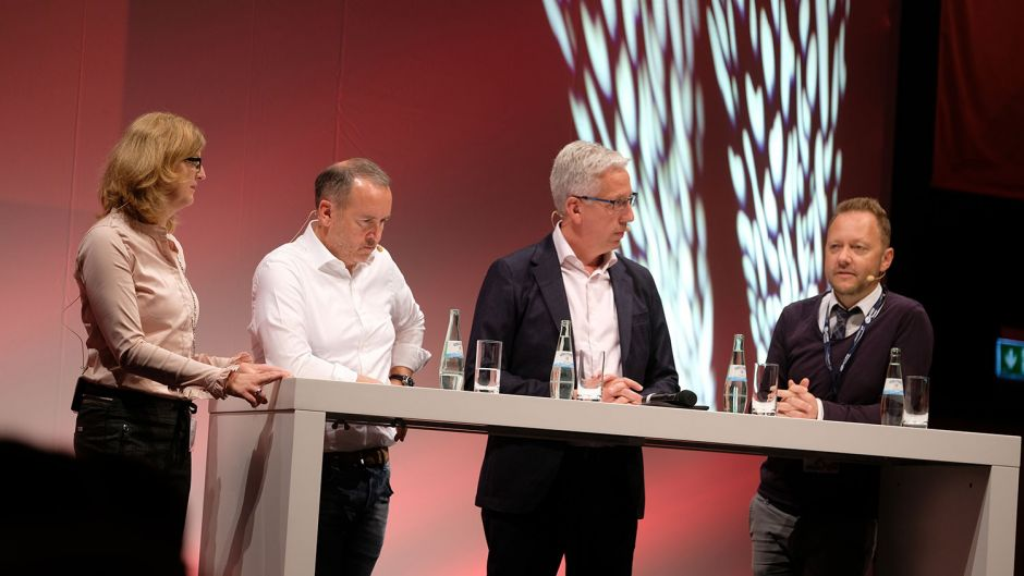 Fvw's Rita Münck (left) discussed flight chaos with Oliver Wagner (Eurowings), Gerald Kassner (Schauinsland-Reisen) and Lars Ludwig (LMX).