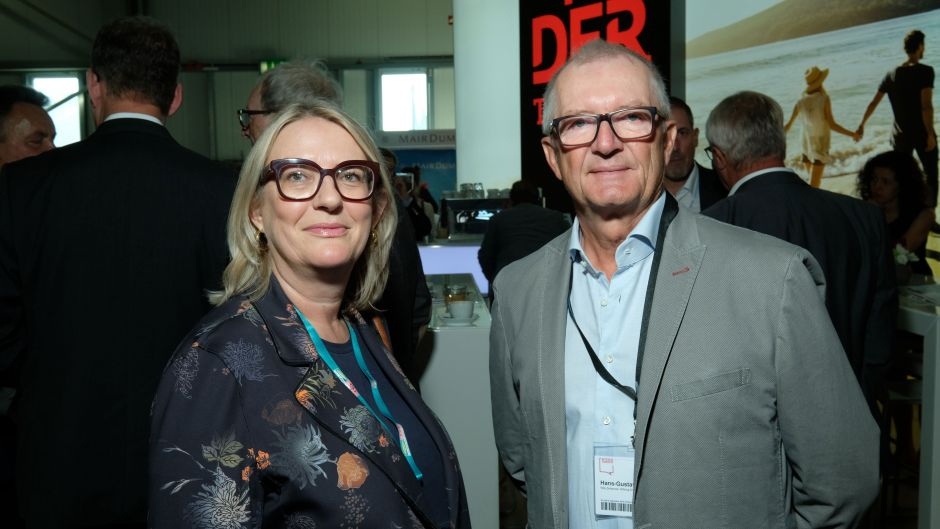 Petra Hedorfer, head of the German National Tourist Board (DZT), and Hans-Gustav Koch, director of the Willy Scharnow Foundation.