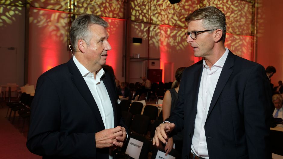 Fvw's Klaus Hildebrandt in discussion with Michael Tenzer (Viamonda).