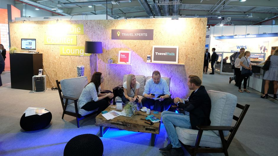 Space for individual discussions in the TravelXperts lounge