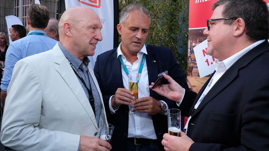 Hans Gesk (Air France/KLM/Delta, left), Rob Knoedl (nalogo tourism & leisure, centre) and Uwe Schwaderer (Dubai Tourism, right)