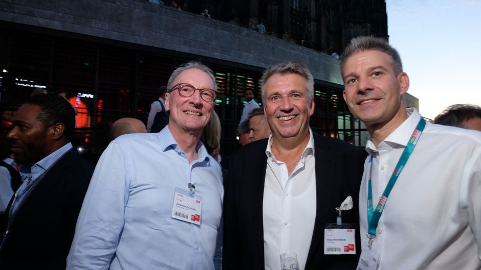 Johannes Zurnieden (Phoenix Reisen, left), fvw editor-in-chief Klaus Hildebrandt (centre) and Mathias Hüske (Deutsche Bahn)