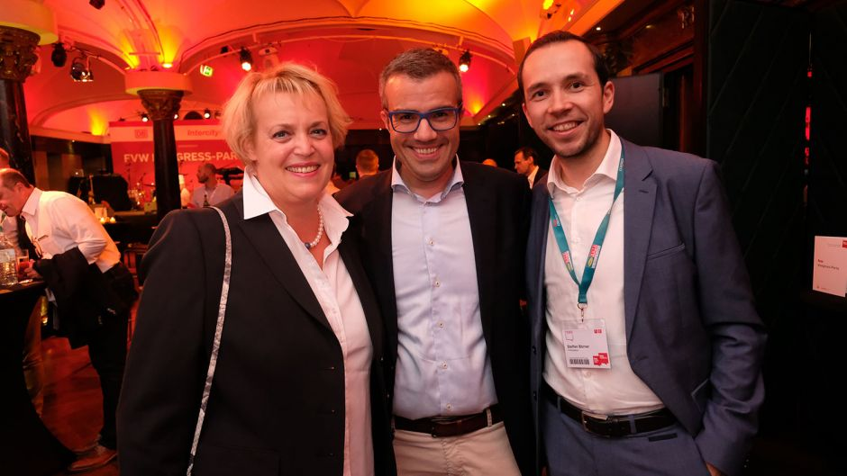 Susanne Schick (Fraport, left), Benedikt Esser (RDA) and Steffen Börner (fvw)