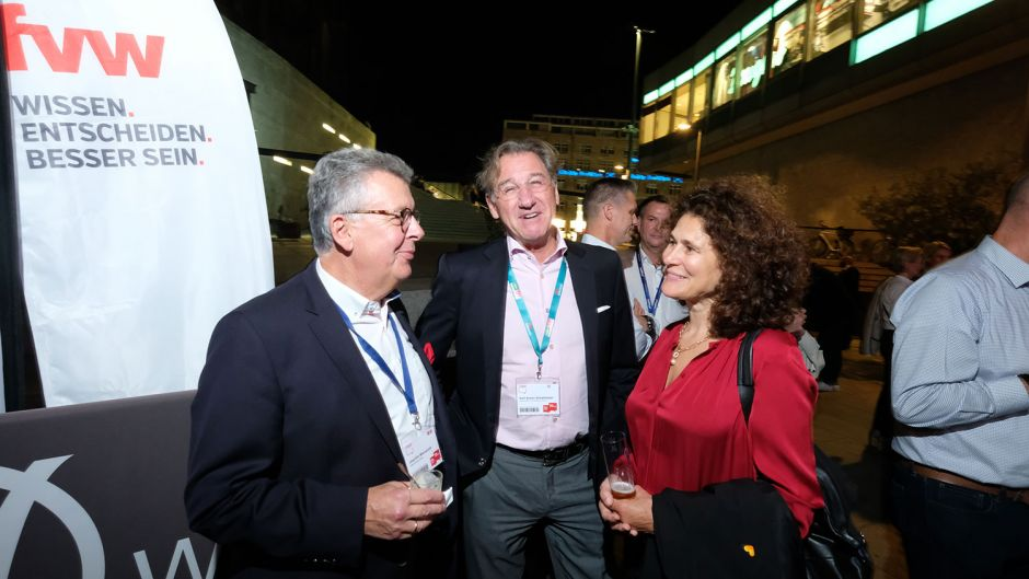 From left: Joachim Marusczyk (Intercity Hotels) Karl Anton Schattmaier and Stefanie Berk (Thomas Cook)