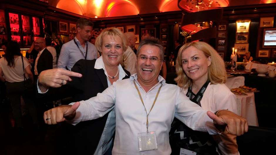 From left: Susanne Schick (Fraport), Stephan Töpler (TMR Reisecenter) and Svenja Buesching (Hilton)