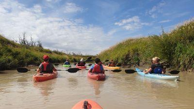 Saskatchewan auf die feuchte Tour: Kajaktour im Grasslands National Park.