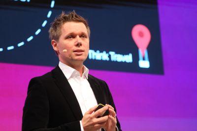 """Lutz Behrendt (Industry Leader Travel Germany Google): """"Beim Suchen von Travel-Erlebnissen sehen wir zweistellige Wachstumsraten via Mobile. Im Bereich der Buchungen sehen wir das nicht, das passiert nach wie vor noch stärker via Desktop."""""""