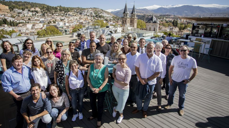The fvw workshop group on the roof terrace of the Hotel Barceló Carmen in Granada.