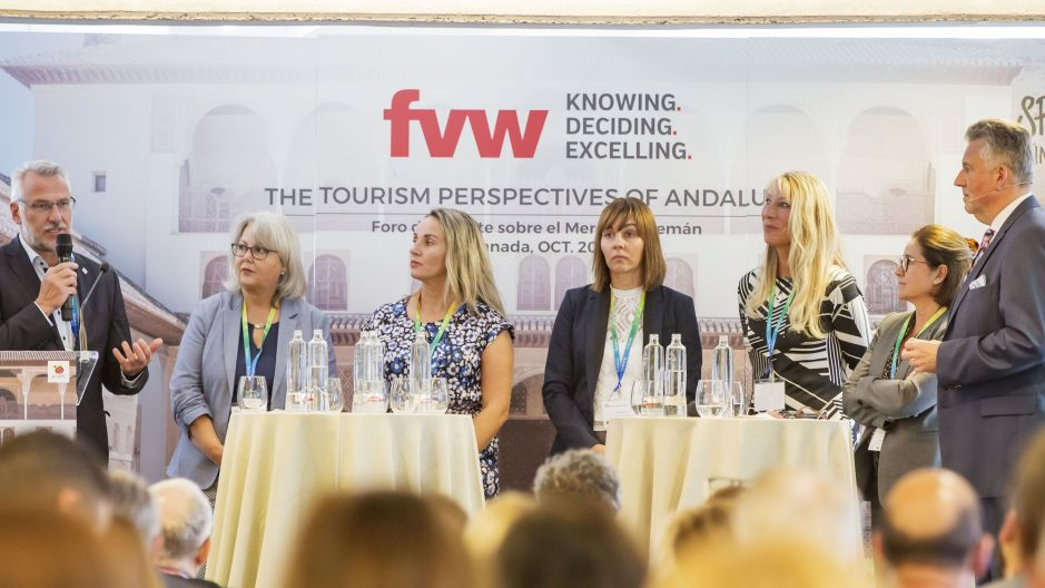 Travel agents describe their experiences during the tour of the region. From left: Helmut Singer, Angela Klein,  Evgenia Ross, Jana Flessa and Bärbel Poppitz