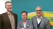 Die Chefs: Kai Sannwald (l.) hat Sunny Cars 1991 in Deutschland gegründet, vier Jahre später wagte er sich ins Nachbarland. Der Ableger in den Niederlanden feiert dieses Jahr bereits 25. Geburtstag. Thorsten Lehmann (Mitte) ist seit 2008 bei Sunny Cars Geschäftsführer. Hans Knottnerus ist der Hausherr und Chef in Haarlem.