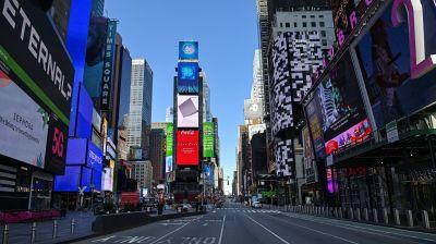Nur die Reklame blinkt noch: der wie ausgestorbene Times Square in New York City.