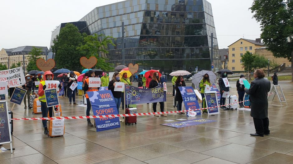 Who'll stop the rain? The answer remains unknown, but at least protesters in Freiburg were not stopped by bad weather.