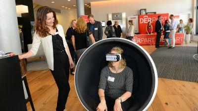 Neue Einblicke gab es für die Reiseverkäufer mit der VR-Brille von Lufthansa.