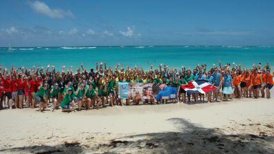 Und da sind sie: Alle 120 Teilnehmer der TUI Erleben Tour in der Dominikanischen Republik.