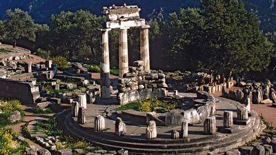 Blick in die Zukunft: Der antike Apollontempel in Delphi in Zentral-Griechenland beheimatete einst das legendäre Orakel.