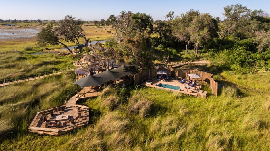 In Corona times, Wilderness Safaris especially promotes the small number of rooms and the remoteness of its camps. Camp Little Vumbura ln the North of the Okavango Delta in Botsuana only encompasses six luxury tents.