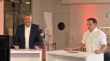 Klaus Hildebrandt und Georg Kern von fvw|TravelTalk begrüßten die Reiseprofis zu den Counter Days. Mehr als 2300 Touristiker waren dabei.