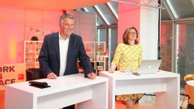 Auftakt zu den zweiten Counter Days mit den fvw|TravelTalk-Chefredakteuren Sabine Pracht und Klaus Hildebrandt.