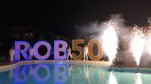 Mit Feuerwerk und Show: Auch zahlreiche Vertriebspartner waren bei der offiziellen Eröffnung dabei.