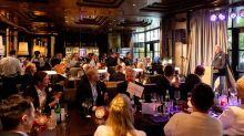 """""""Viva la Vida – hurra, wir leben noch!"""" lautete das Motte des 10. Touristik-BBQ. Ursprünglich von L'tur etabliert, setzt L'tur-Gründer Karlheinz Kögel, Chef der HLX-Gruppe, den Branchentreff fort und lud Geschäftspartner ins Casino Baden-Baden."""