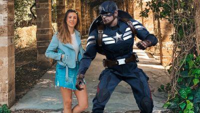 Für Ala Wolf vom Altstadt Reisebüro in Höxter ist der Marvel-Held Captain America nicht zu toppen. Sieht aber auch gut aus...also Captain America...also...äh...