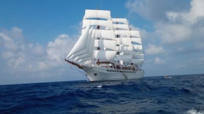 Am 14. September 2021 bricht die Sea Cloud Spirit zu ihrer Jungfernfahrt auf. Sie führt ab/bis Rom (Civitavecchia) für zehn Tage durch italienische Gewässer, mit Stopps unter anderem auf Elba, Sardinien und Sizilien.