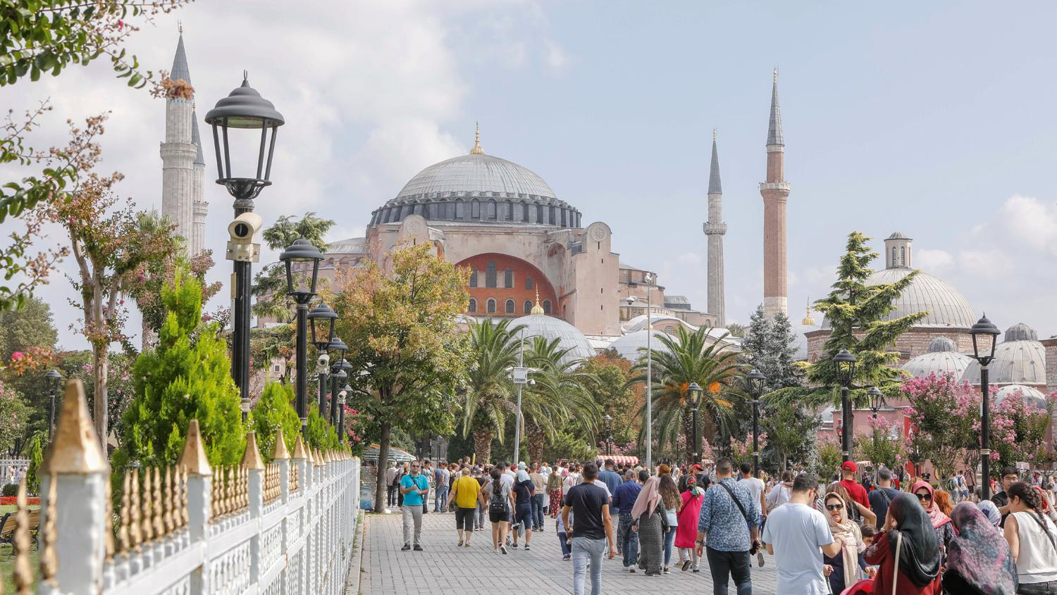 Workshop participants, including 32 German travel agents, toured Istanbul's highlights, such as the world-famous Hagia Sophia.