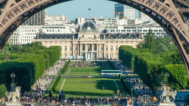 Paris Glaswand Soll Eiffelturm Schützen