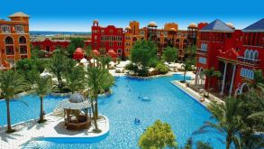 Das Grand Resort in Hurhgada ist ein Klassiker der Red Sea Hotels.