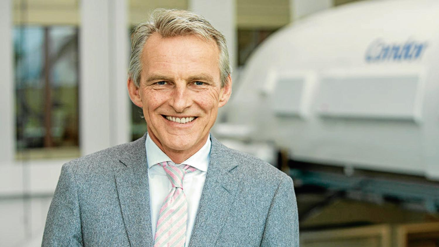 Condor chief Ralf Teckentrup has snapped up an Air Berlin unit to help expand capacity.
