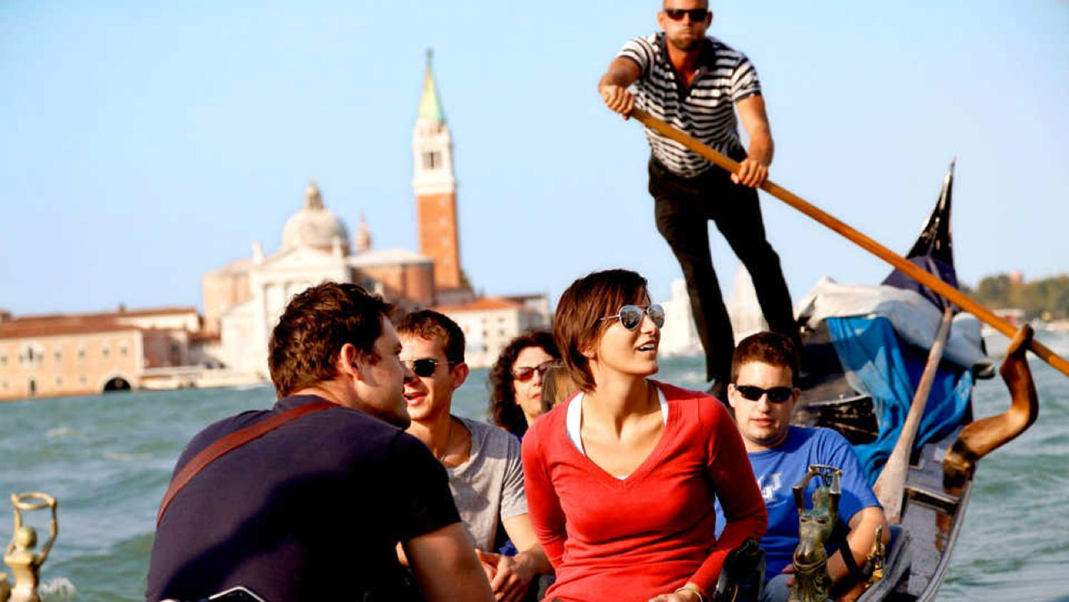 Get Your Guide offers tours and excursions in destinations such as Venice.