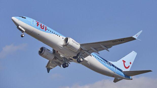 fliegen mit tui und boeing air max 8