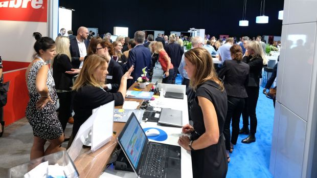 Busy Travel Expo stands at last year's fvw Kongress.
