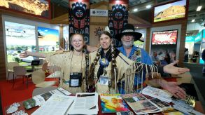 US exhibitors are giving international tourists a big welcome.