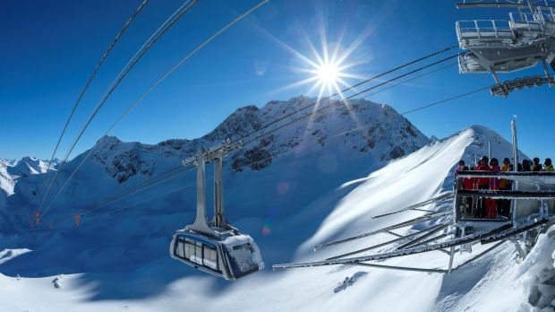 The Urdenbahn connects two Swiss skiing areas and makes Arosa Lenzerheide into a single region.