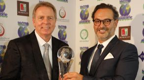 "IAGTO makes its service accessible to non-members. The organisation is well known for its annual awards: CEO Peter Walton with João Fernandes, President of Algarve Tourism (""Golf Destination of the Year 2020"")."