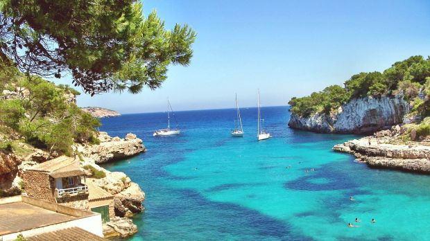 Welcome back to Majorca: After the travel warning was lifted, the first German holidaymakers arrived on the Balearic island this week.
