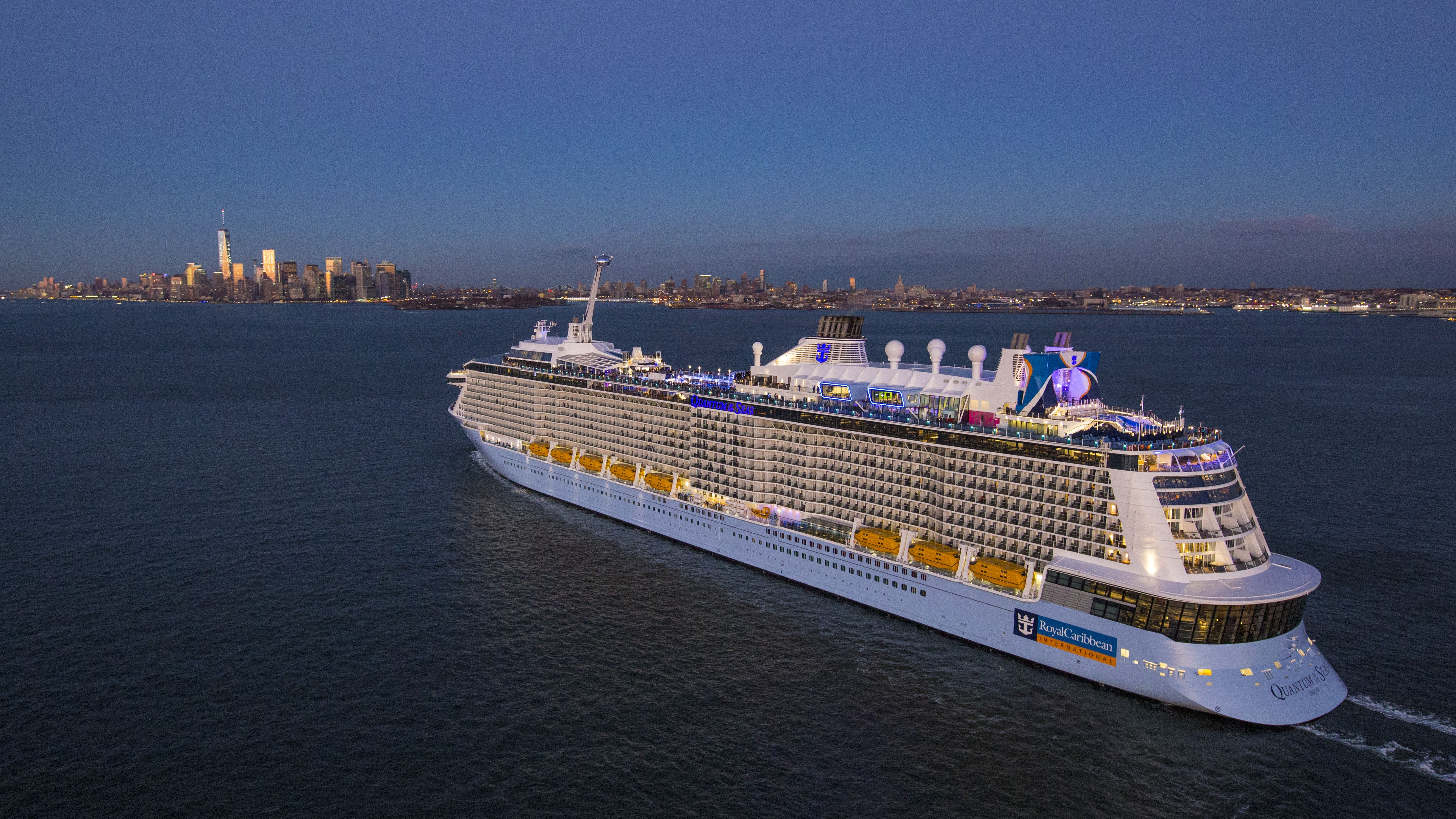 "RCL, hier die Quantum of the Seas, verlängert die Storno-Regel ""Cruise with Confidence""."