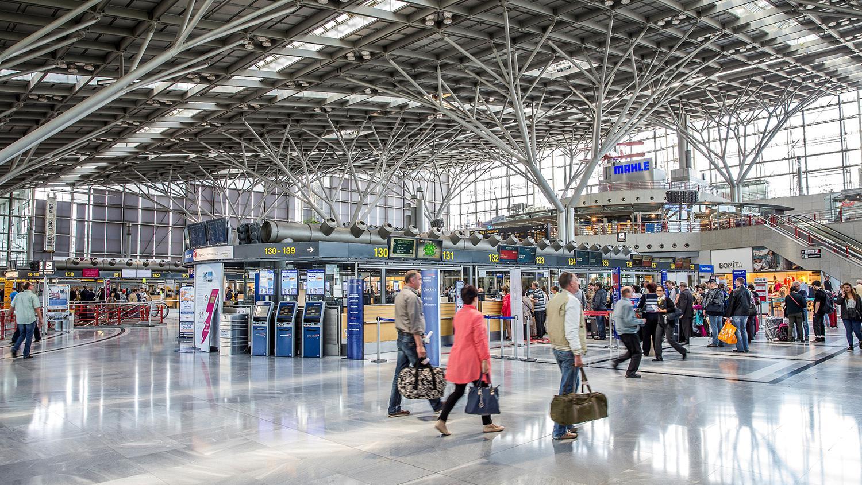 Für Einreisende und Selbstzahler Stuttgart Airport öffnet Corona ...