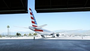 American_Airlines-Aircraft-at-Hangar_1500