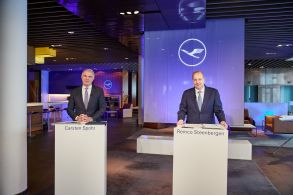 Launching an asset disposal programme: Lufthansa-CEO Carsten Spohr and CFO Remco Steenbergen.