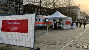 Lockdown extension: a Covid-19 test centre on a market square in Hamburg, Germany.